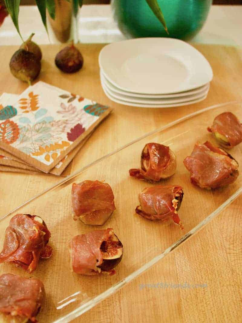 Fresh figs are an unmatchable fruit. Make this easy Figs with Prosciutto appetizer and take that sweet fruit to another level.
