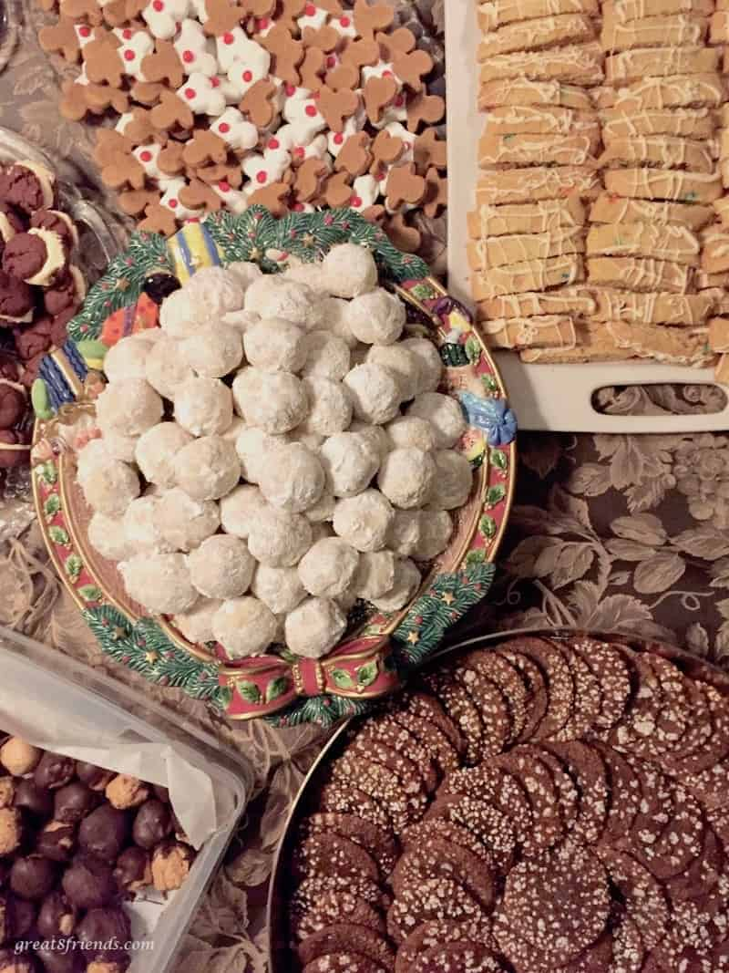 Here you go with all you need to know about hosting a Cookie Exchange and Gift Exchange holiday party. Make it a tradition!