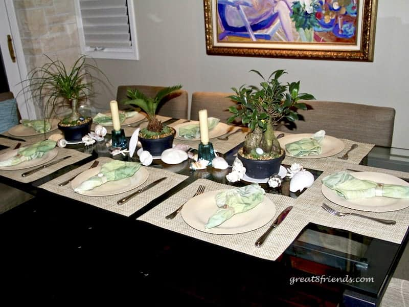 Dinner for 8 friends can be easy, tasty and fun. This Shipwrecked Gr8 Dinner theme is the perfect party and everyone can contribute something!