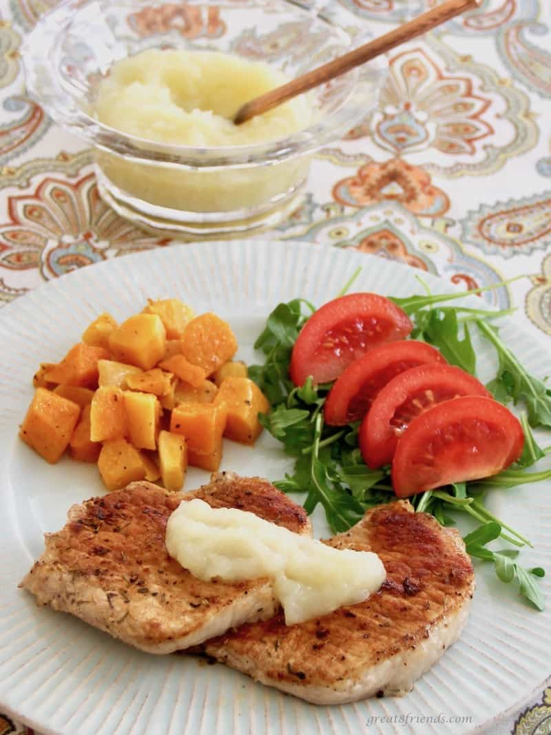 Pork Cutlets with Onion Applesauce